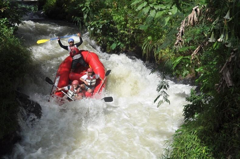 river-359800_960_720